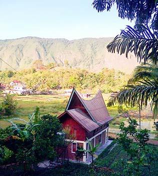 Batak-Cottage-Samosir_resize